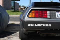 Delorean-from-behind-in-parkinglot