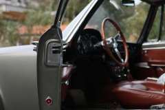 MAserati-Quattroporte-front-door-open