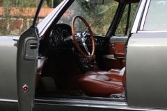Maserti-Quattroporte-Front-door-open-profil