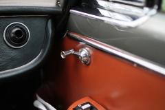 Maserati-Quattroporte-window-cranker