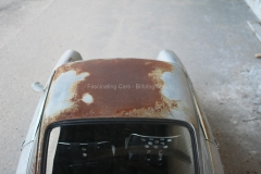 Porsche-912-roof-rust-above-patina