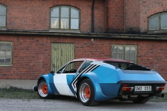 Renault-Alpine-A310-right-behind