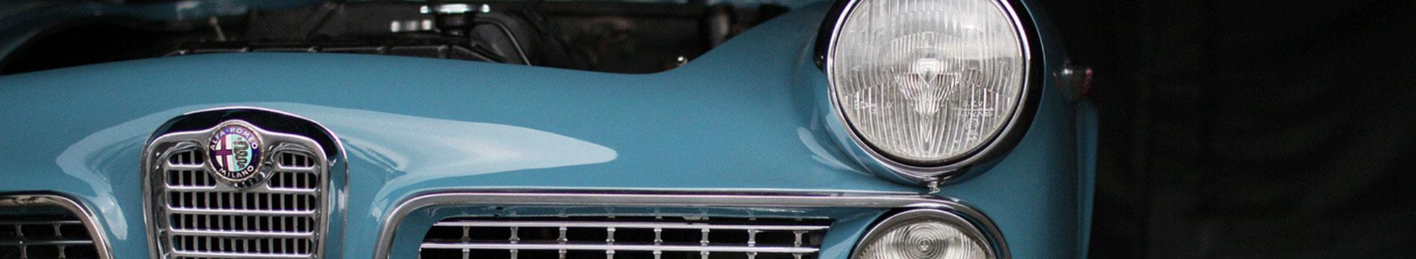 Alfa Romeo ljusblå cabriolet
