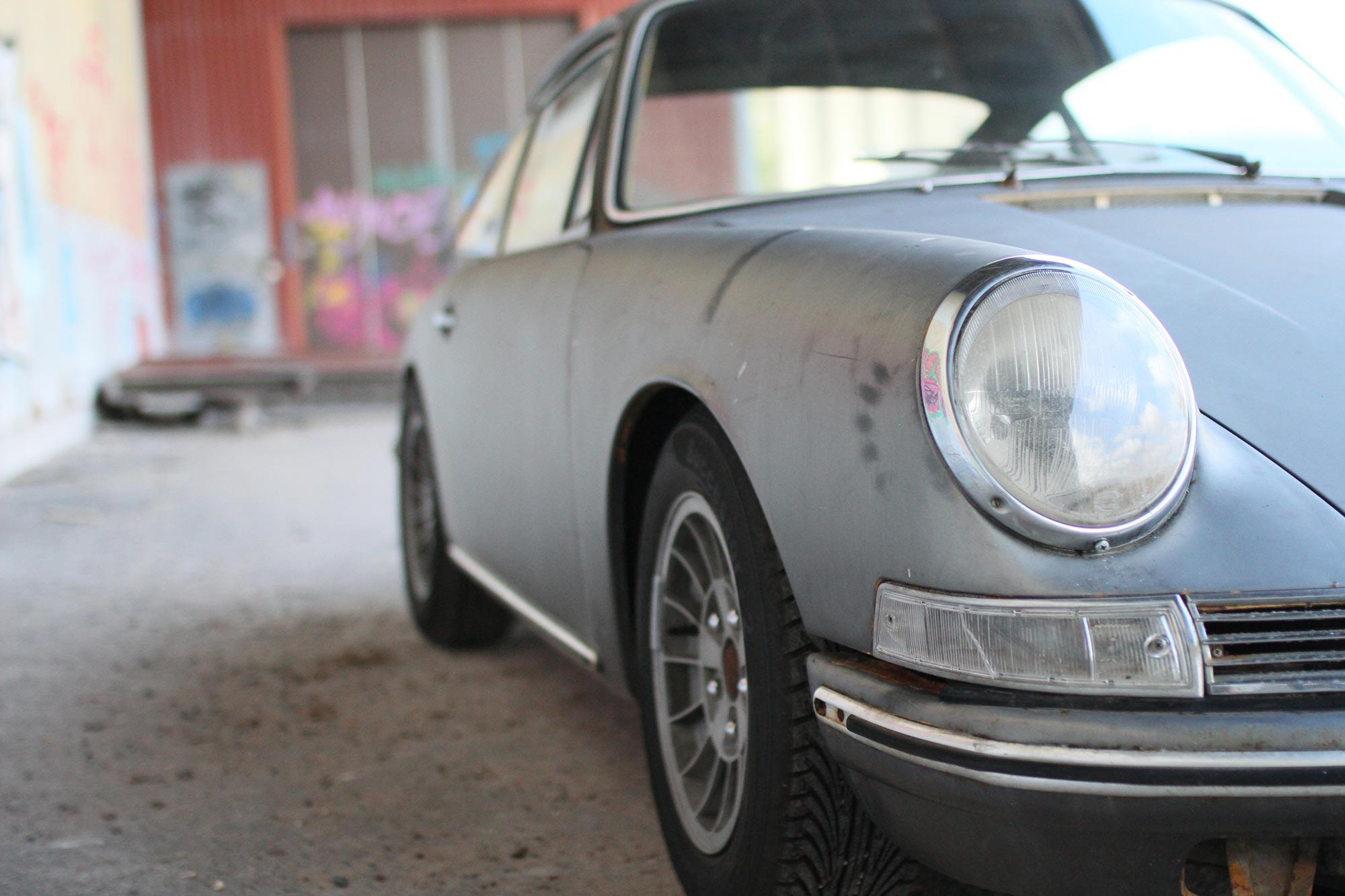 Höger framljus med Ronal Kleeblatt fälgar på Porsche 912