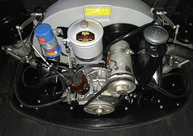 Motorn till Porsche 356:an ser ut som fabriks ny efter renoveringen