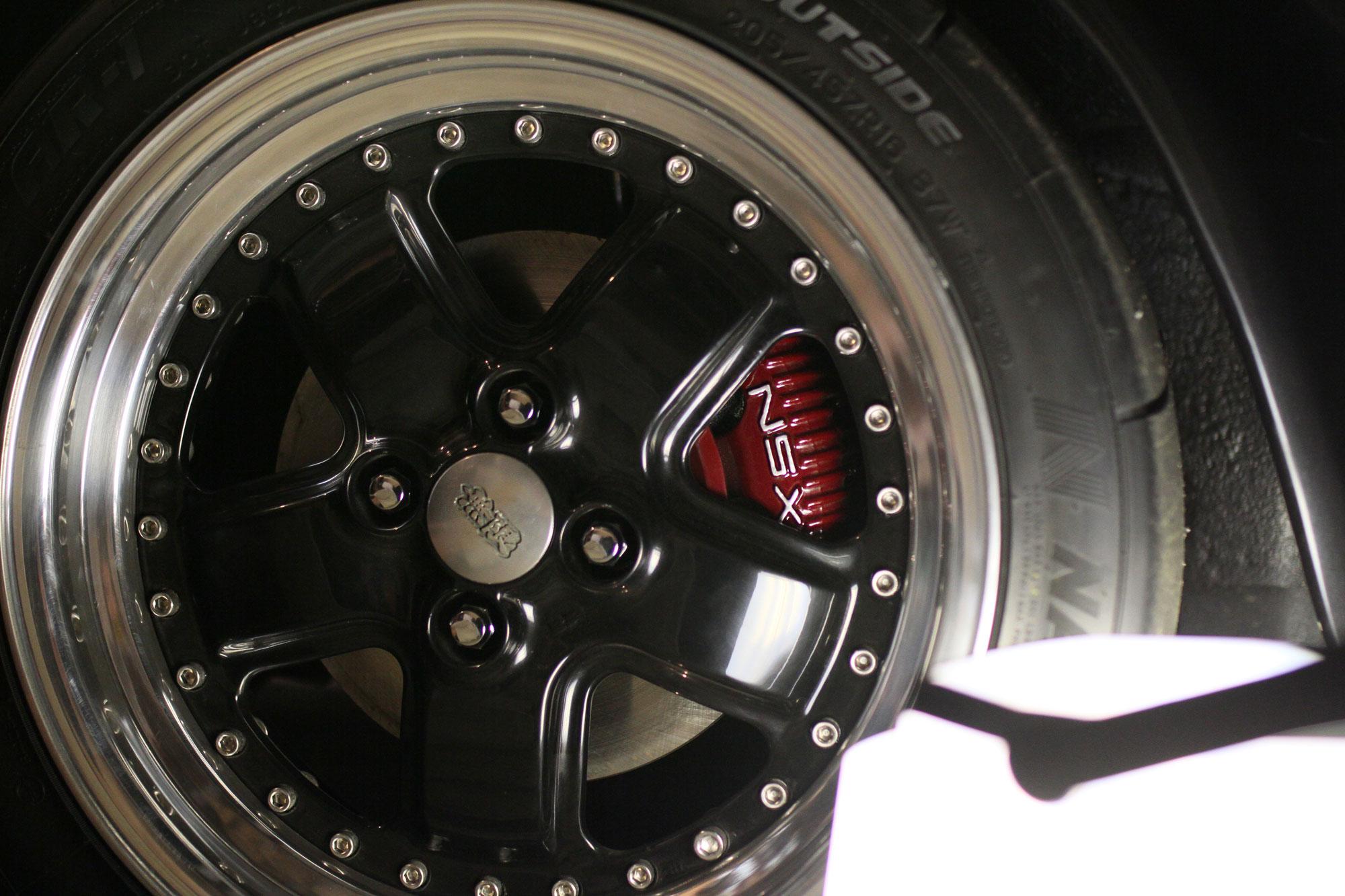 Broms Ok från Honda NSX. Färg röd med vit NSX text.