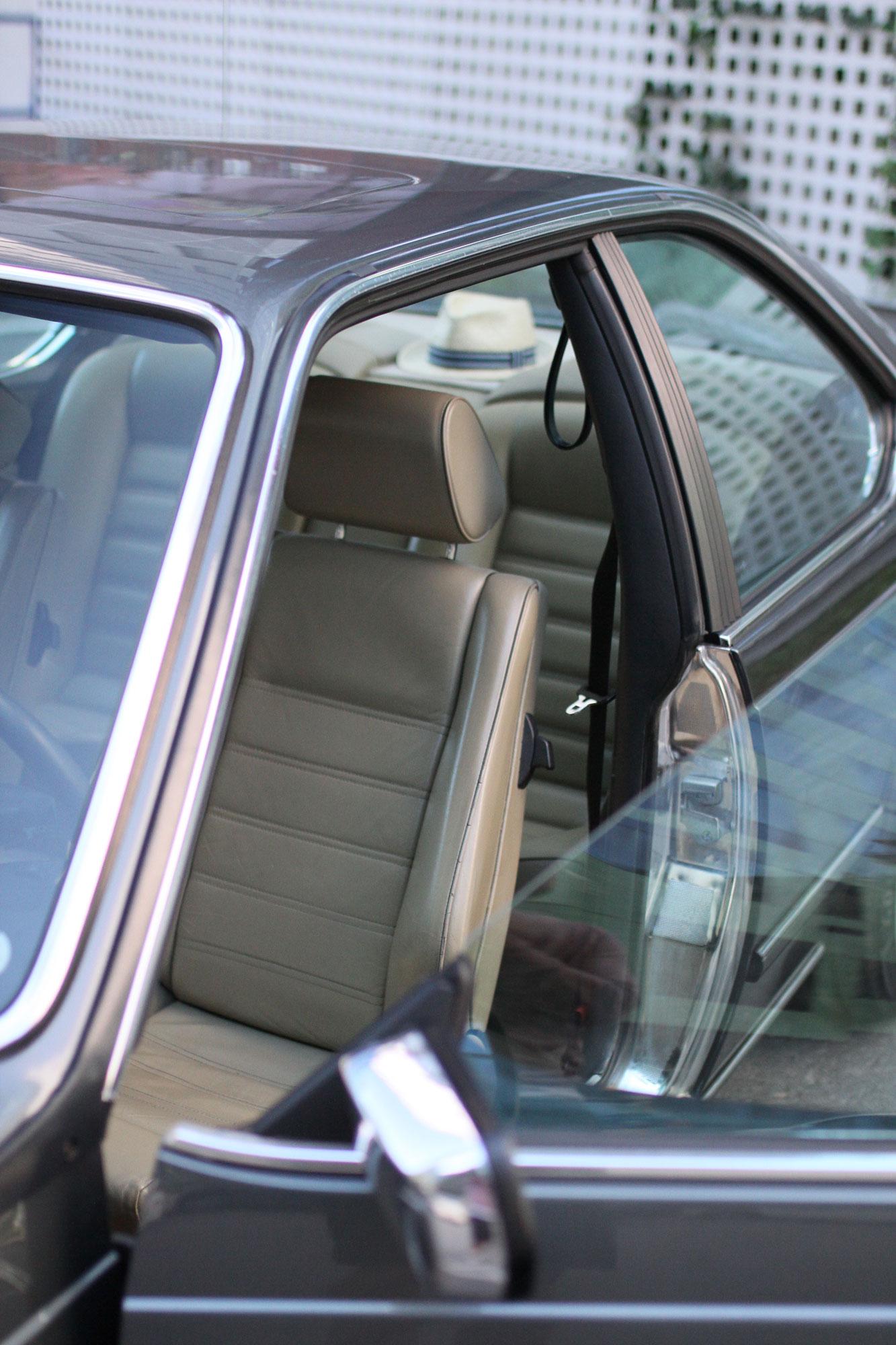 Nästan oanvända förarsätet i den vackra BMW:n