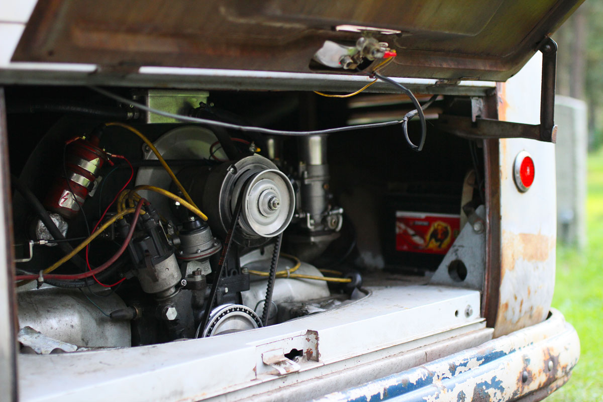 2.3 liters engine in a patina vw bus 1957