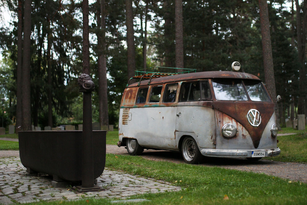 Patina Kleinbus from right side