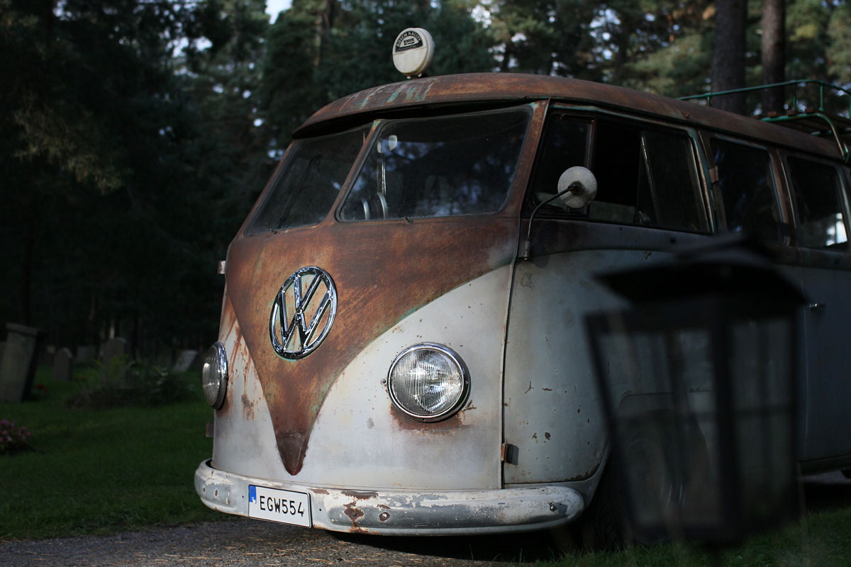 The front of a Klienbus patina Rusty