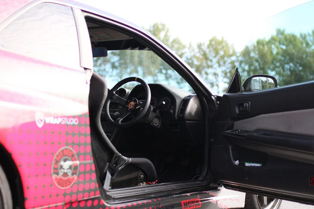 Steering Wheel and Interior Nissan Skyline R34