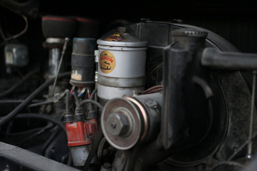 Engine-in-a-Rusty-PAtina-Porsche-912