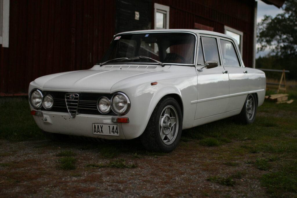 Giulia 1300 TI front