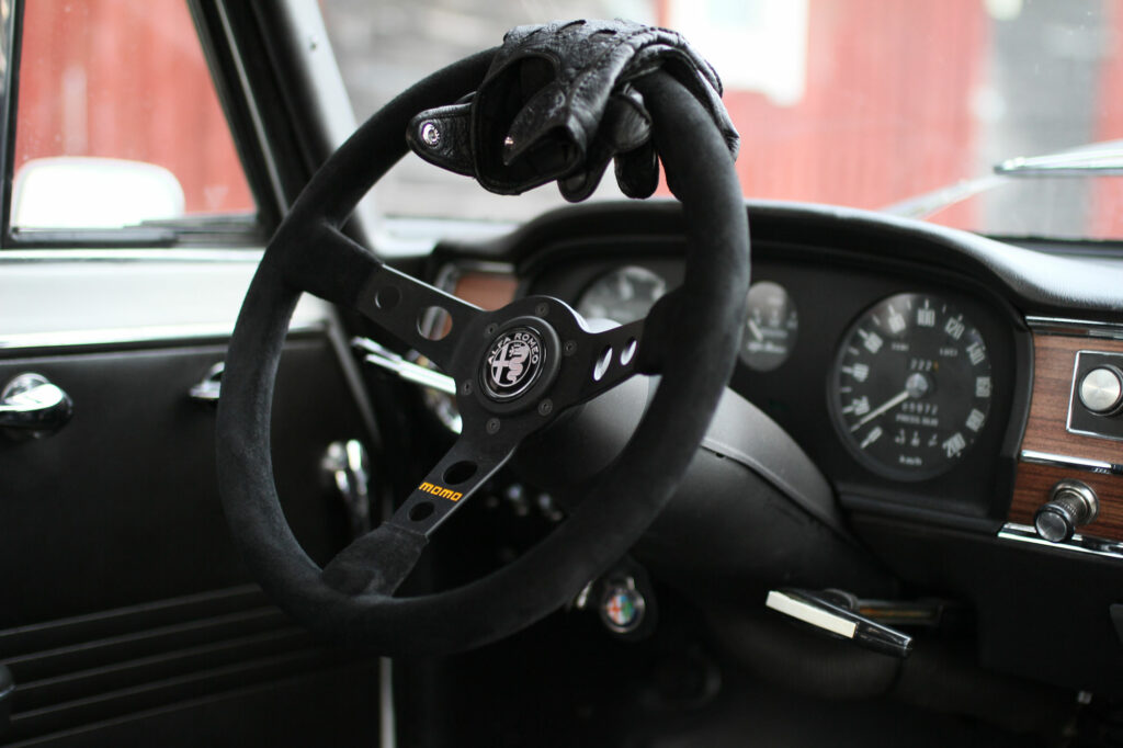 Momo Model 7 Steering Wheel Giulia 1300