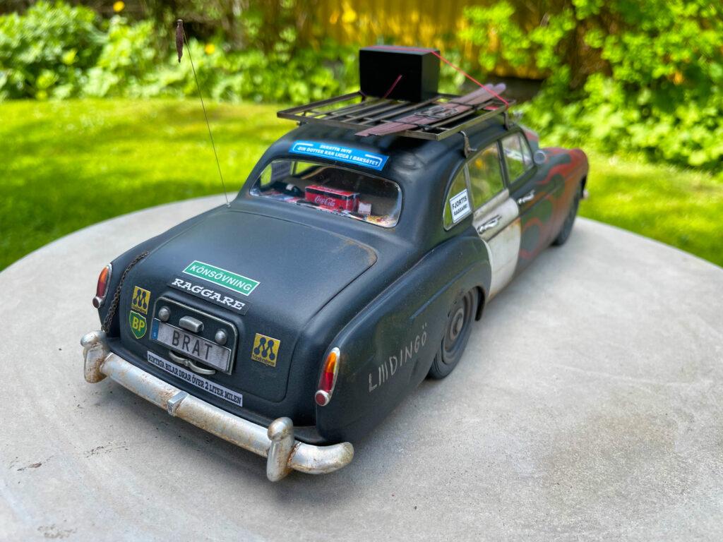 Rolls-Royce-Silver-Spure-behind-left-model-original-MCG