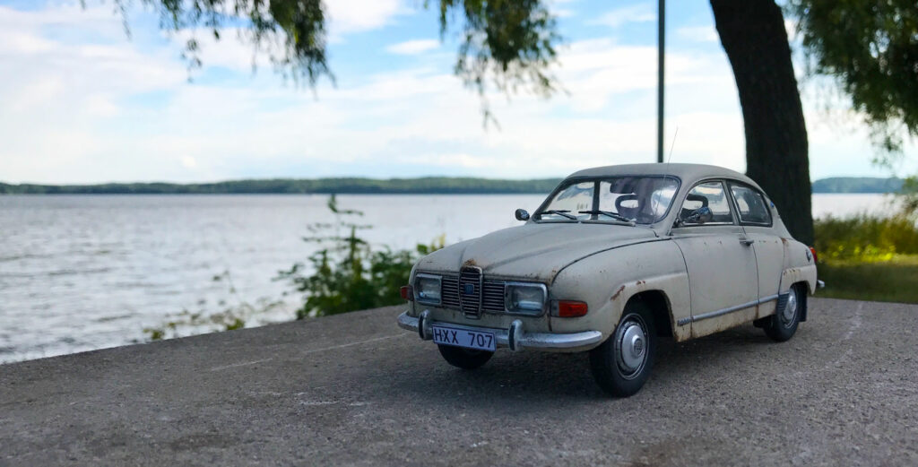Saab-96-Scale-model-MCG-by-the-water